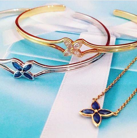 Blue, Fashion accessory, Turquoise, Body jewelry, Aqua, Jewellery, Bangle, Bracelet, Turquoise, Necklace,