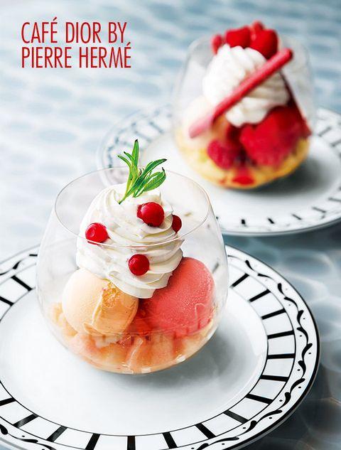 Dish, Food, Cuisine, Frozen dessert, Strawberry, Dessert, Meringue, Strawberries, Whipped cream, Ingredient,