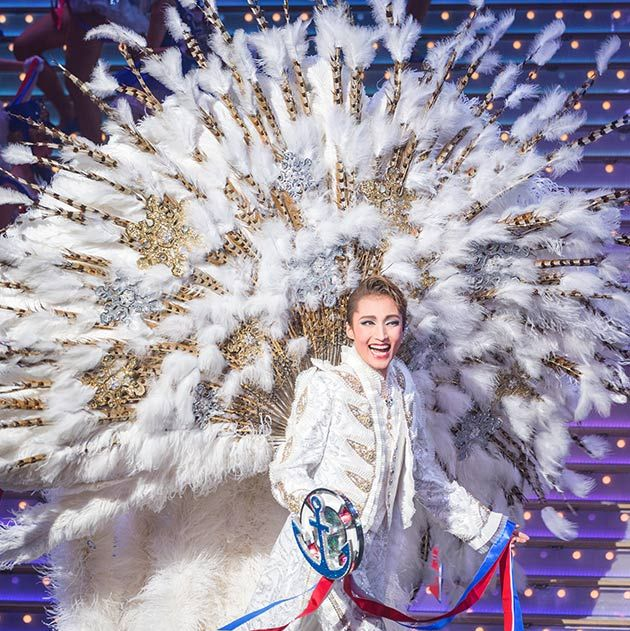 fashion, feather, performance, event, performance art, tradition, stage, fashion design, world, costume design,