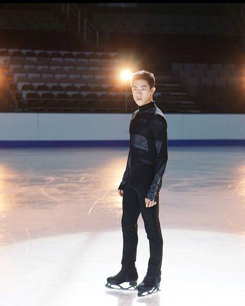 Ice skating, Figure skate, Skating, Recreation, Fashion, Ice skate, Figure skating, Sportswear, Ice rink, Individual sports,