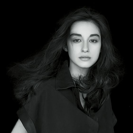 Face, Black, Beauty, Photo shoot, Black-and-white, Model, Photography, Portrait, Lip, Flash photography,