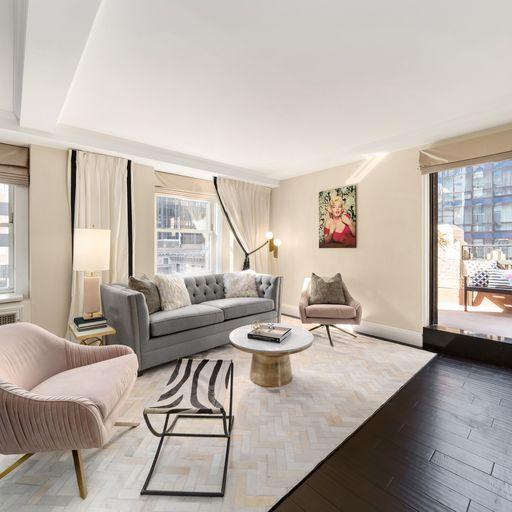 Property, Room, Furniture, Interior design, Living room, Building, House, Real estate, Floor, Home,
