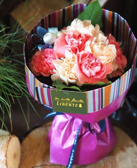 Pink, Food, Sweetness, Flower, Cut flowers, Cuisine, Bouquet, Dish, Dessert, Plant,
