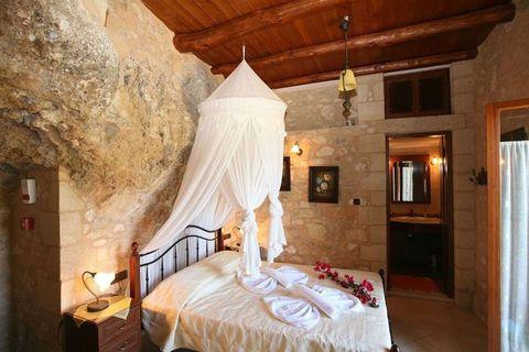 Bedroom, Bed, Room, Furniture, Property, Building, Suite, Interior design, Bed sheet, Bed frame,