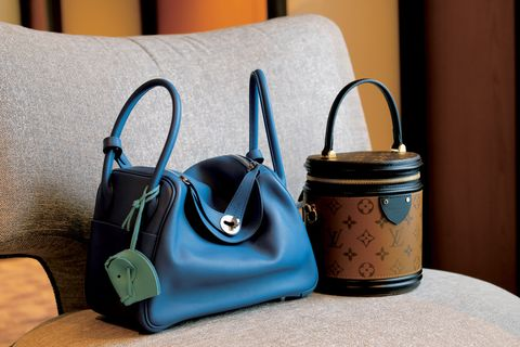 Blue, Bag, Handbag, Product, Leather, Fashion accessory, Material property, Still life, Beige, Luggage and bags,