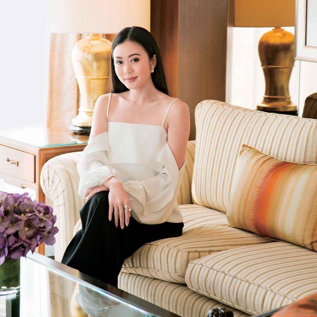 Dress, Furniture, Room, Shoulder, Gown, Interior design, Couch, Leg, Sitting, Bride,