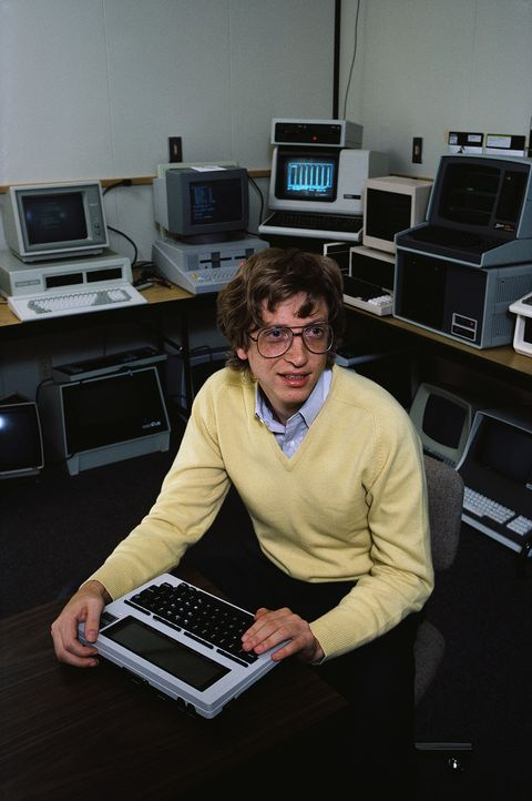 Personal computer, Software engineering, Technology, Desk, Furniture, Electronic instrument, Electronic device, Computer keyboard, Employment, Office,