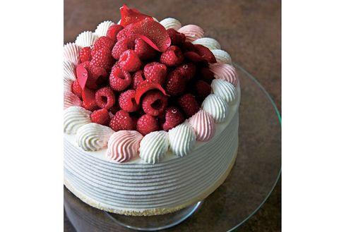 Food, Cake, Dessert, Torte, Berry, Cuisine, Dish, Ingredient, Pavlova, Buttercream,