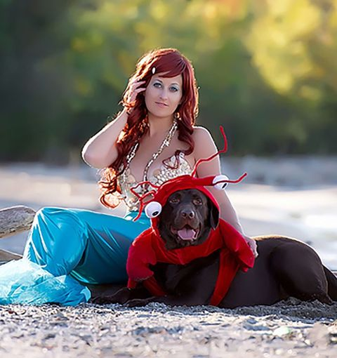Beauty, Sitting, Cool, Photography, Fictional character, Cosplay, Long hair, Costume, Photo shoot, Fashion accessory,