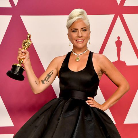 Red carpet, Carpet, Clothing, Dress, Pink, Flooring, Blond, Beauty, Hairstyle, Fashion,