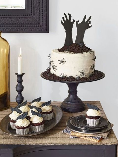 Cake, Dessert, Food, Cake stand, Icing, Buttercream, Baked goods, Cake decorating, Chocolate cake, Baking,
