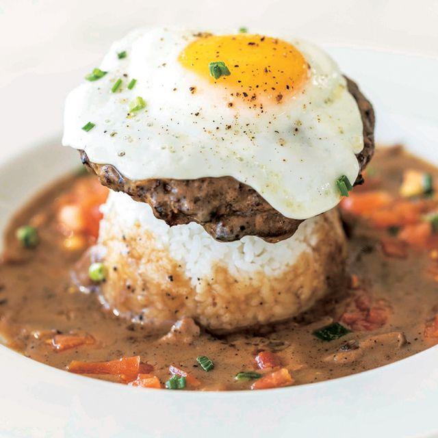 Dish, Food, Cuisine, Ingredient, Comfort food, Produce, Recipe, Brunch, Poached egg, Gravy,