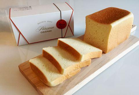 Sliced bread, Food, Cuisine, Castella, Dish, Loaf, Ingredient, Baked goods, Dessert, White bread,