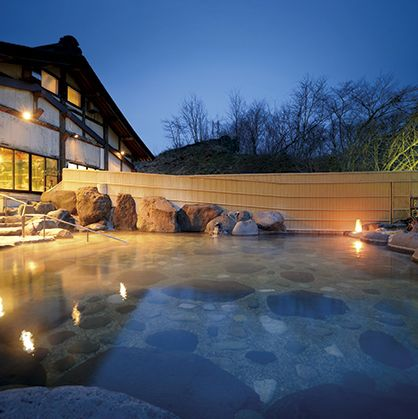 Lighting, Sky, Water, Home, Property, House, Architecture, Swimming pool, Real estate, Winter,