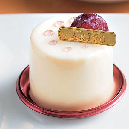 Food, Dessert, Fondant, Cake, Pink, Sugar cake, Torte, Sweetness, Icing, Cuisine,