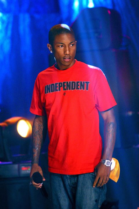 Blue, Red, Youth, Performance, Electric blue, T-shirt, Cool, Event, Music artist, Talent show,