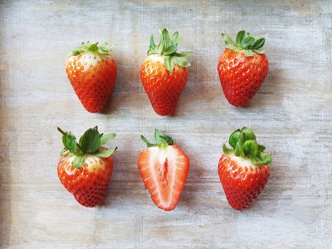 Strawberry, Strawberries, Natural foods, Food, Fruit, Plant, Accessory fruit, Berry, Superfood, Frutti di bosco,