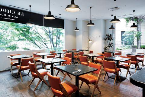Restaurant, Room, Interior design, Building, Table, Furniture, Dining room, Cafeteria, Café, Coffeehouse,
