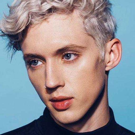 Hair, Face, Eyebrow, Hairstyle, Chin, Forehead, Blond, Cheek, Lip, Beauty,