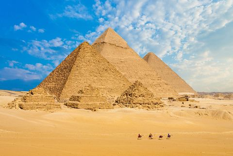 Pyramid, Monument, Landmark, Historic site, Natural environment, Ancient history, Ecoregion, Unesco world heritage site, Sand, Landscape,