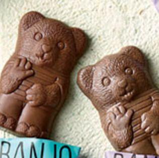 Food, Cookie, Snack, Gingerbread, Biscuit, Baked goods, Chocolate, Dessert, Cookies and crackers, Animal cracker,