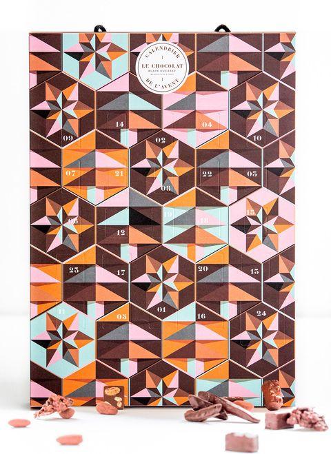 Brown, Games, Pattern, Rug, Square, Recreation, Art, Symmetry, Furniture,