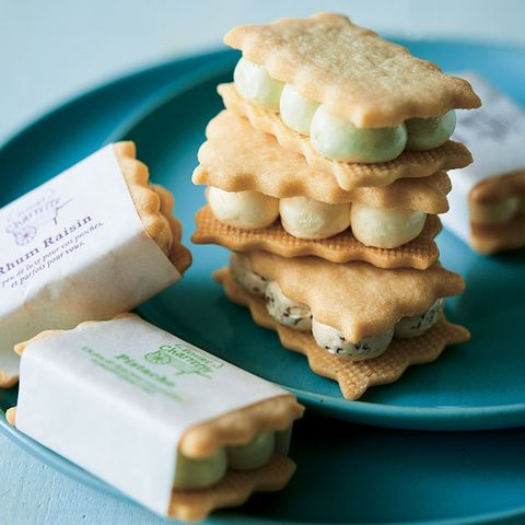Food, Dish, Cuisine, Biscuit, Baked goods, Sandwich Cookies, Cookies and crackers, Snack, Finger food, Ingredient,