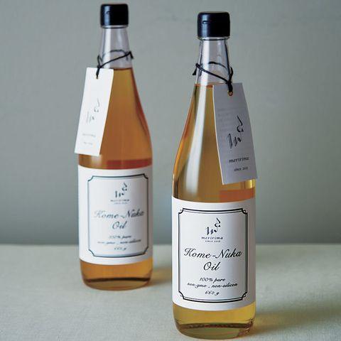 Glass bottle, Bottle, Drink, Liqueur, Distilled beverage, Alcoholic beverage, Wine bottle, Alcohol, Label, Ingredient,