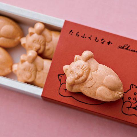 Food, Cuisine, Higashi, Meringue, Dish, Dessert, Snack, Profiterole, Baked goods, Finger food,
