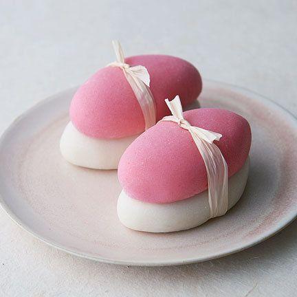 Pink, Food, Cuisine, Mochi, Dessert, Comfort food, Marshmallow, Dish, Japanese cuisine, Finger food,