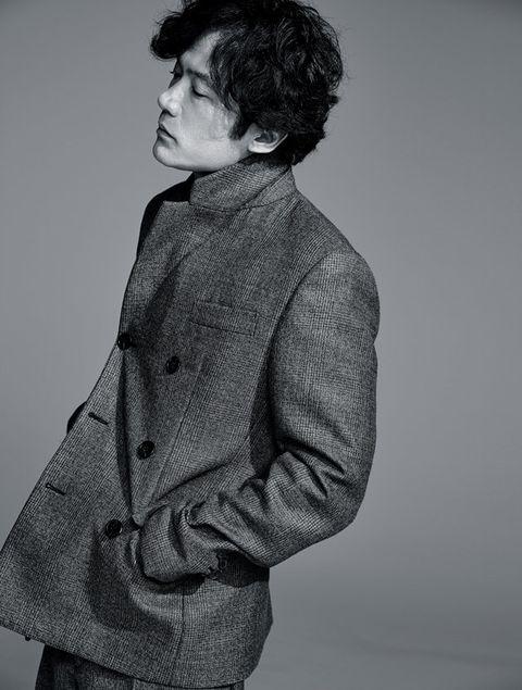 Black, Standing, Black-and-white, Outerwear, Fashion, Human, Photography, Monochrome, Blazer, Monochrome photography,