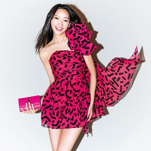 Clothing, Dress, Sleeve, Shoulder, Magenta, One-piece garment, Pink, Red, Pattern, Formal wear,