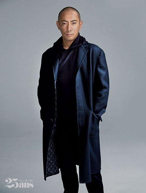 Clothing, Outerwear, Overcoat, Fashion, Coat, Jacket, Sleeve, Fashion design,