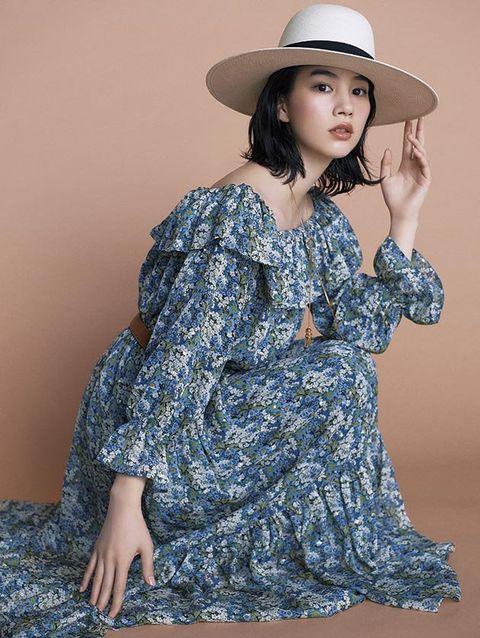 Clothing, Shoulder, Dress, Fashion model, Fashion, Pattern, Joint, Sleeve, Motif, Pattern,
