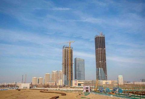 Sky, Daytime, Tower block, Urban area, Metropolitan area, Property, City, Condominium, Neighbourhood, Metropolis,