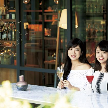 Beauty, Snapshot, Restaurant, Photography, Smile, Black hair,