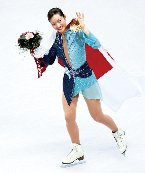 Figure skating, Ice skating, Figure skate, Recreation, Skating, Ice dancing, Leg, Jumping, Costume, Dancer,