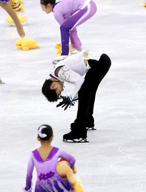 Figure skating, Ice skating, Figure skate, Skating, Ice dancing, Ice rink, Recreation, Sports, Individual sports, Dancer,
