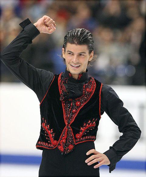 Ice skating, Figure skating, Recreation, Sports, Gesture,