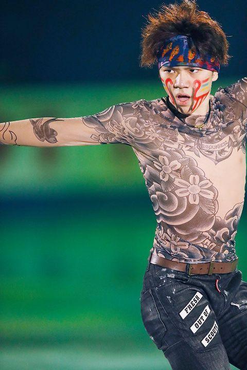 Performance, Fashion, Fun, Tattoo, Performing arts, Gesture,