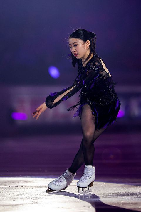 Figure skate, Ice dancing, Figure skating, Ice skating, Skating, Performance, Recreation, Individual sports, Ice skate, Dancer,