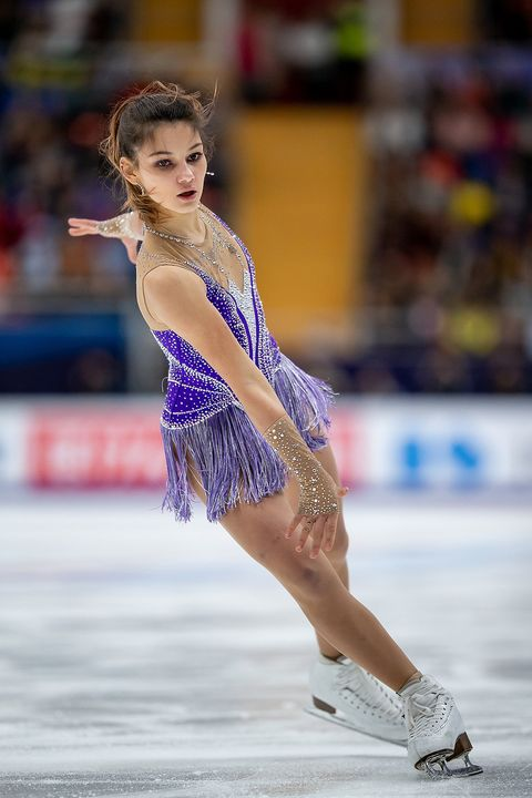 Figure skate, Ice skating, Figure skating, Skating, Ice dancing, Recreation, Axel jump, Sports, Beauty, Ice skate,