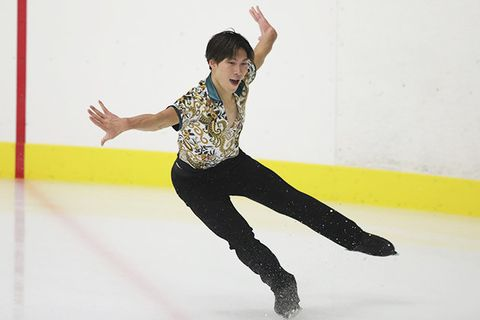 Figure skate, Ice skating, Figure skating, Jumping, Skating, Ice dancing, Recreation, Ice rink, Sports, Ice skate,