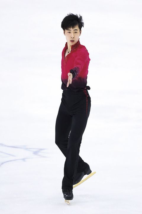 Ice skating, Standing, Recreation, Figure skating, Jumping, Skating, Leg, Sportswear, Figure skate, Individual sports,