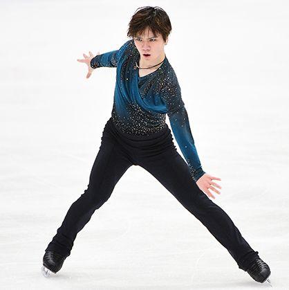 Ice skating, Figure skating, Figure skate, Skating, Recreation, Jumping, Leg, Tights, Ice dancing, Sportswear,