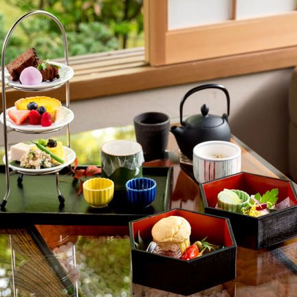 Countertop, Meal, Room, Breakfast, Kitchen, Brunch, Furniture, Table, Cookware and bakeware, Food,