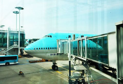 Air travel, Airplane, Airline, Airport, Jet bridge, Airliner, Aerospace engineering, Aircraft, Vehicle, Aviation,