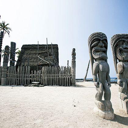 Sculpture, Statue, Tourism, Archaeological site, Tree, Sea, Historic site, Vacation, Rock, Beach,