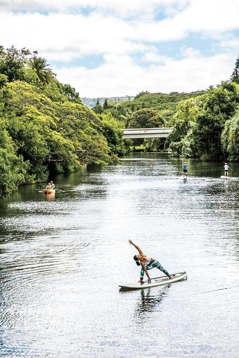 Water, River, Vegetation, Water resources, Tree, Waterway, Bank, Watercourse, Lake, Vehicle,