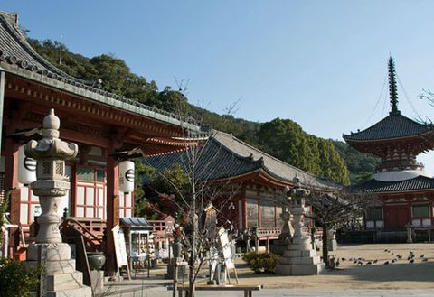 Chinese architecture, Japanese architecture, Temple, Place of worship, Building, Shrine, Architecture, Shinto shrine, Historic site, Leisure,
